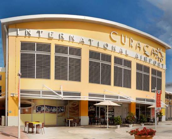 CUR-Arrivals-Curaçao-Airport-Terminal-building